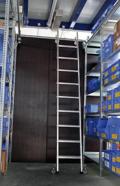 Günzburger Steigtechnik Aluminium-Regalleiter für Doppelregal, seitlich verschiebbar, 11 Stufen, 44611